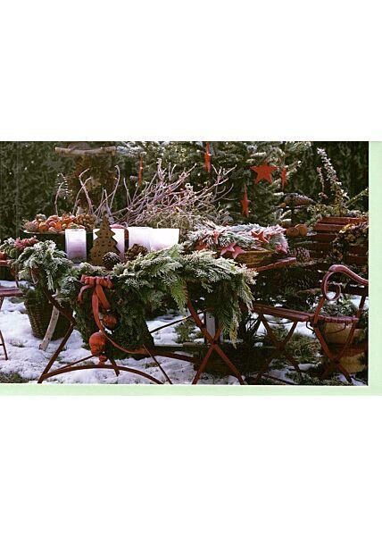 Weihnachtskarte traditionelles Foto Gartentisch