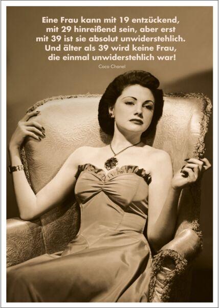 Postkarte Spruch witzig Eine Frau kann mit 19 entzückend, mit 29 hinreißend sein