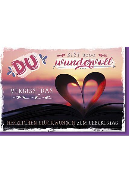 Geburtstagskarte mit Spruch Herz aus Buchseiten