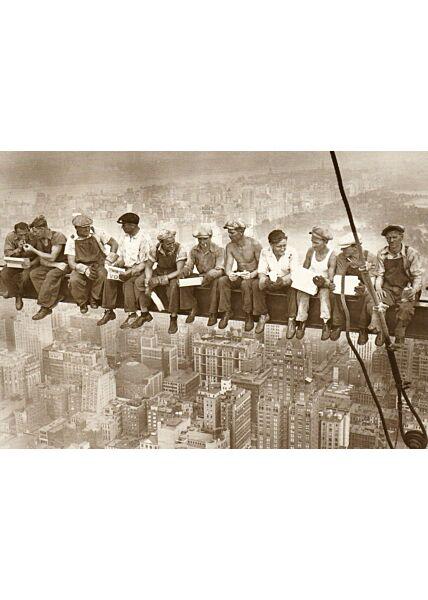 Postkarte im Retrostil Sky-Breakfast in New York City