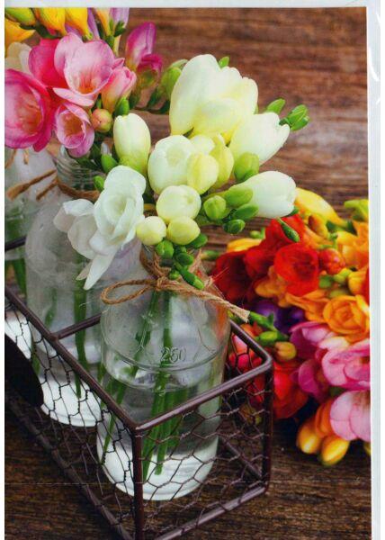 Karte blanko: kleine Vasen mit bunten Blumen